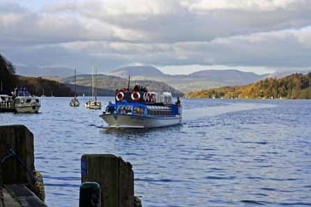 Lake cruiser approaching the pier